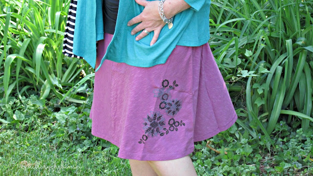 Details on the Aventrua Meryl Skirt