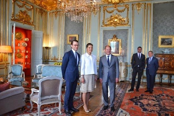 Crown Princess Victoria and Prince Daniel met with Olaf Scholz at the Royal Palace