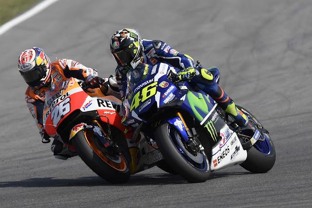 Rossi : Saya Pikir Marquez Yang Salip Saya