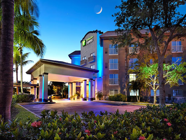 Hotel Holiday Inn Express Naples Downtown 5th Avenue