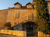 Kuća Vladimir Nazor, Bobovišća na moru, otok Brač slike
