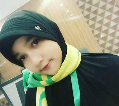 Nayla Sandova Anam Pakai Hijab