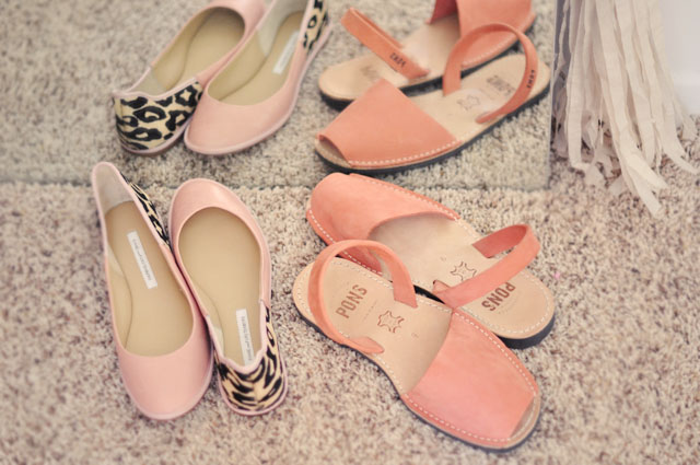 DVF pink and leopard flats, Avarcas pons sandals