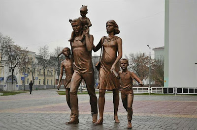 Εκατοντάδες αγάλματα της Παραδοσιακής Οικογένειας ανεγέρθηκαν σε όλη τη Ρωσία1