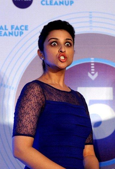Most Awkward Bollywood Parineeti Chopra Poses