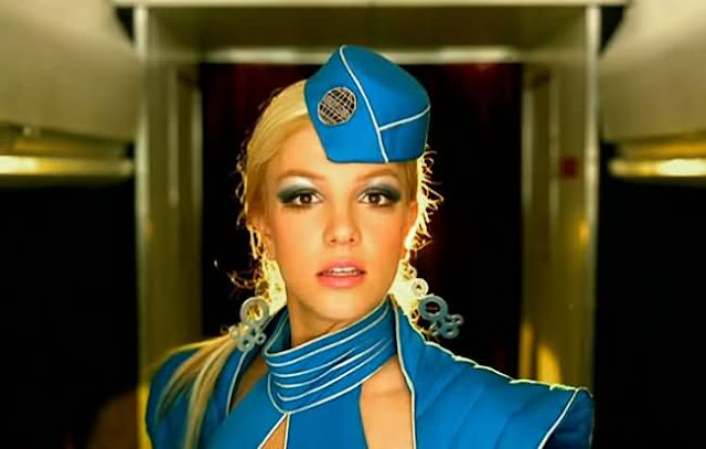 Sambut Britney Spears, 4 Pramugari Thai Buat Video 'Toxic'