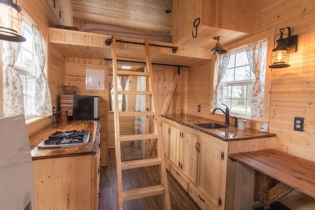 Petite Cabin tiny house
