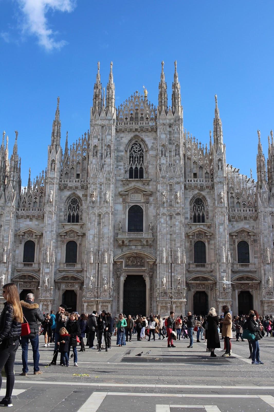 duomo milan italy peexo travel blogger