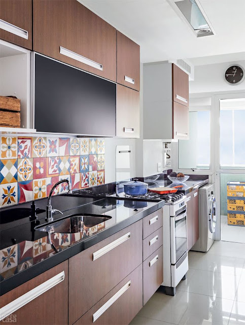 bancada-preta-cozinha-atual