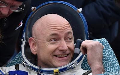 Американський астронавт Скотт Келлі повернувся на Землю після 340 днів перебування на борту МКС