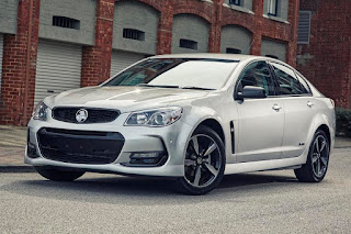 Holden VFII Commodore SV6 Black Edition (2016) Front Side