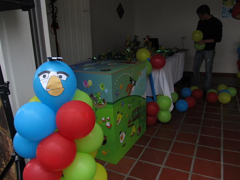 Decoracion de globos angry birds recreacionistas for Globos decoracion fiestas