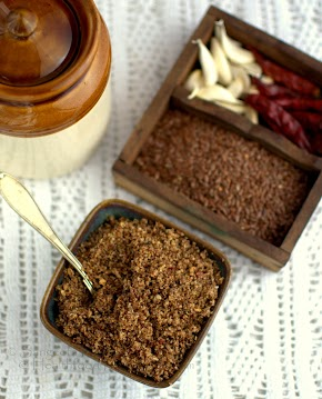 flax seeds chutney | a dry garlic chutney with flax seeds, sesame and coconut | flax seeds goodness in everyday food