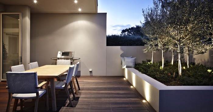 Patios modernos y minimalistas minimalistas 2015 for Foto casa minimalista