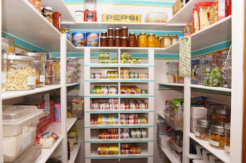 If You Have A Good Kitchen Then Must Walk In Pantry And As Looking At This Post I Can Say That Is Not Too Well Organized