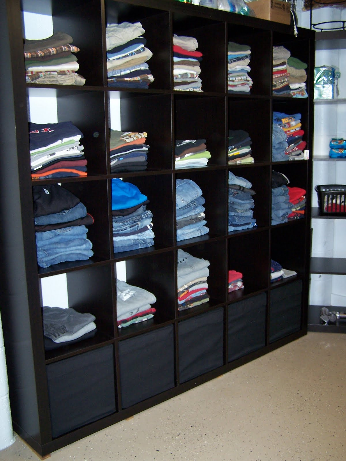 delightful order featuring you ikea 39 s expedit in the laundry room. Black Bedroom Furniture Sets. Home Design Ideas