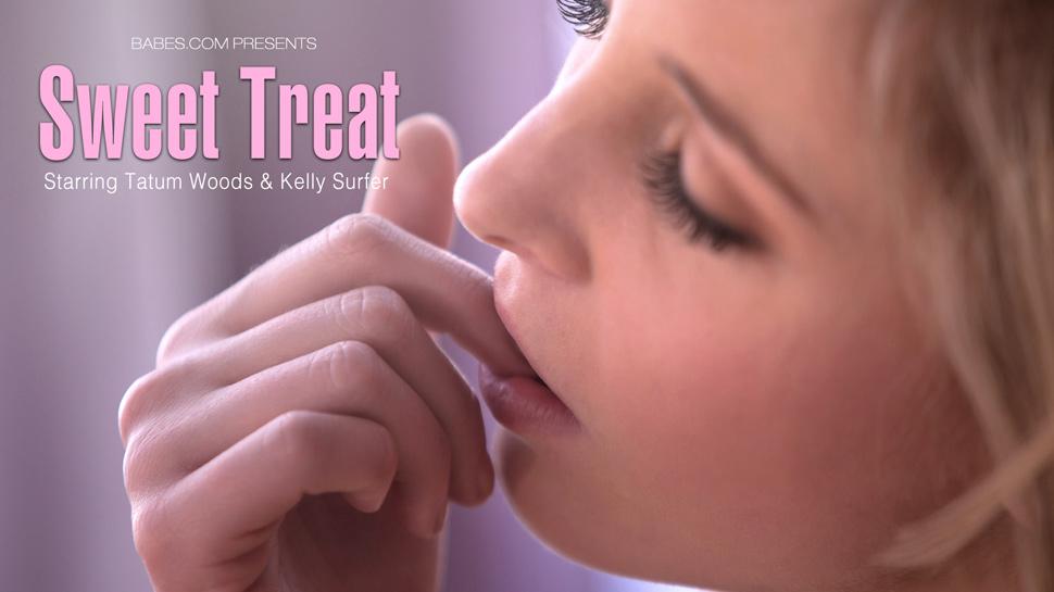 Babes8-14 Tatum Woods & Kelly Surfer - Sweet Treat 03100