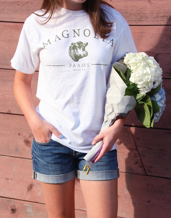 Gimme Glamour: Fixer Upper Inspiration. Magnolia Farms tee.