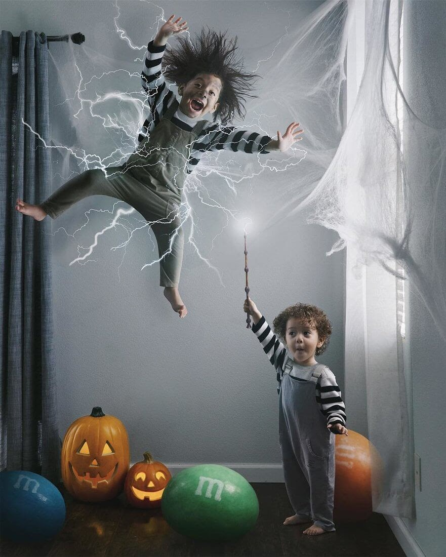 09-Halloween-box-Vanessa-Family-Photos-Surreal-Worlds-www-designstack-co