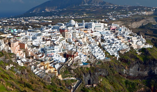 جزيرة سانتوريني اليونانية Santorini island