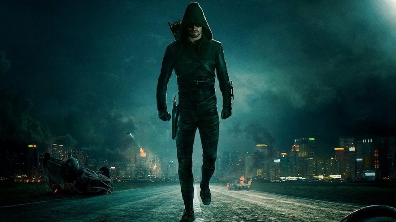 Produtor de Arrow revela como estátua de Oliver Queen foi desenvolvida