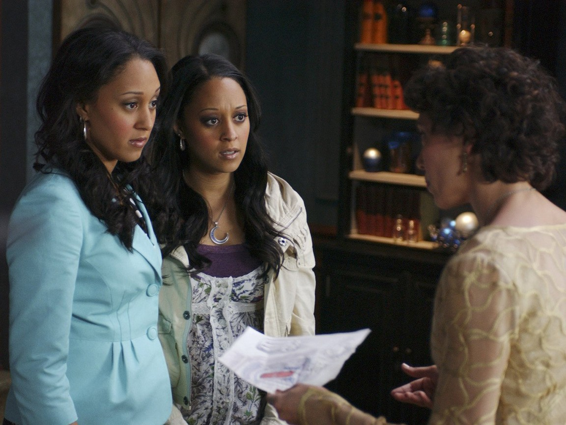 twitches too 2007 full movie watch in hd online for free