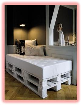 A mi manera c mo hacer una cama de madera r stica - Hacer cama plegable pared ...