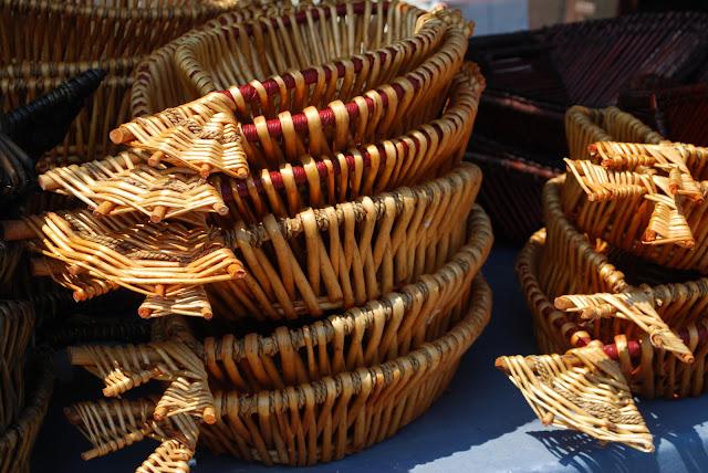 Cunda el yapımı ekmek sepetleri