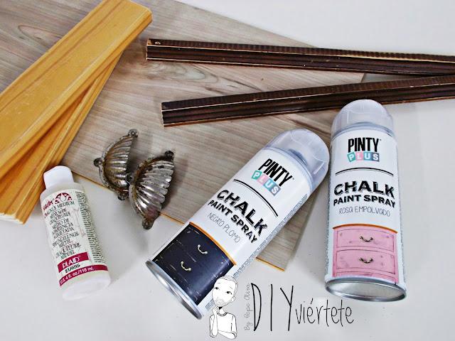 DIY-bandeja-madera-bricolaje-craquelé-pintyplus-pintar-chalkpaint-pizarra-rosa-desayuno-3