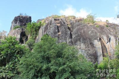 akcayatour, Travel Malang Jogja, Gunung Nglanggeran, Travel Jogja Malang