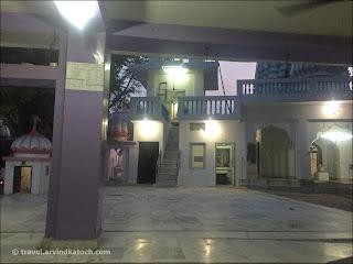 Baba Dhune Waleji Maharaj Temple