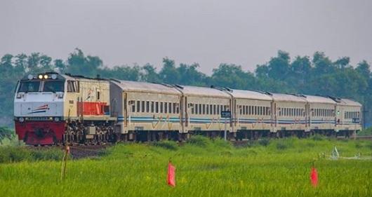 Jadwal Kereta Api Panataran Premium