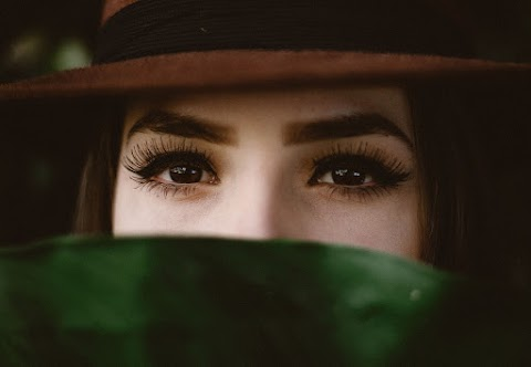 How to Successfully Reduce Crows Feet and Frown Lines*