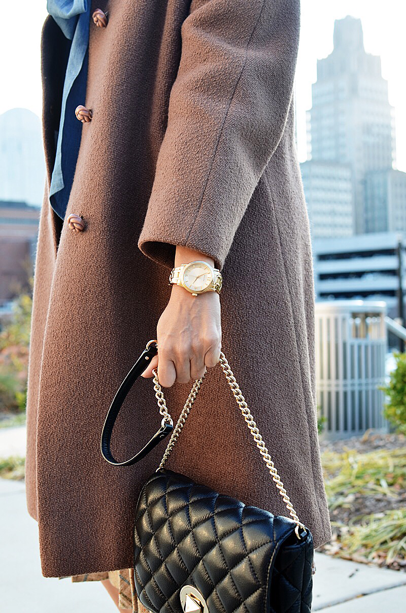 Gold watch street style