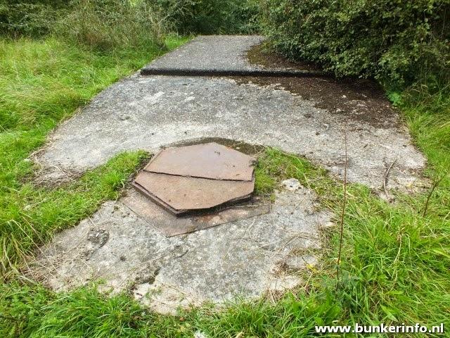http://www.bunkerinfo.nl/2014/09/tankkazematten-ooijpolder-deel-1.html