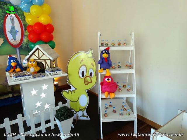 Mesa temática da Galinha Pintadinha para festa infantil