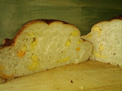 Pan brioche de queso ligeramente picante guindilla receta estados unidos americana wisconsin cheese bread america's test kitchen
