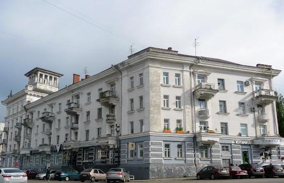 Суми. Вул. Соборная, 32. 1951 р. Архітектор Клочко