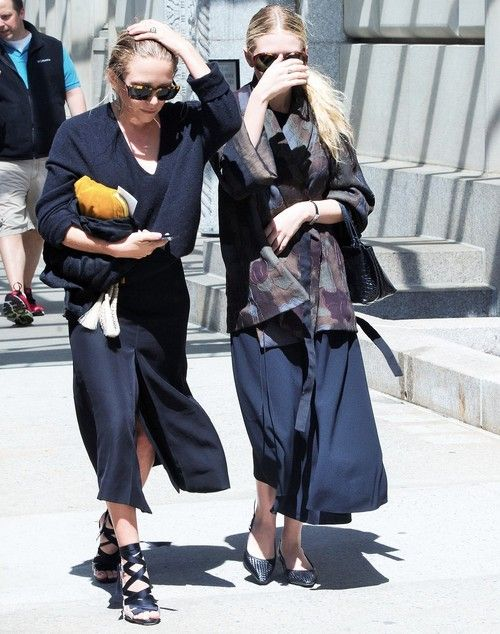 Olsen Twins Hiding From Paparzzi {Art from Laura Collins}