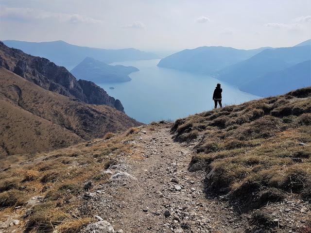 sentiero corna trentapassi lago d'iseo