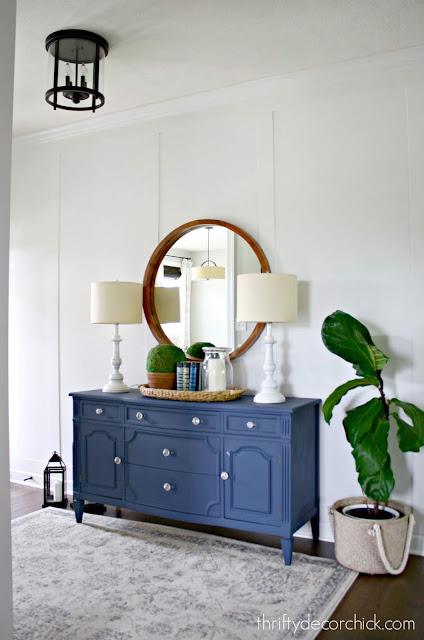 Fresh and pretty white wood treatment on walls