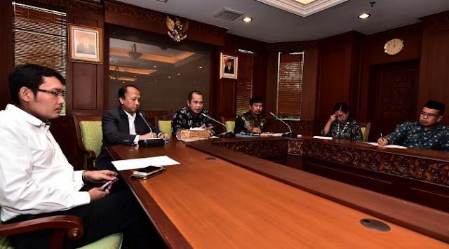 rapat_menter_DESA&PDTT-Marwan