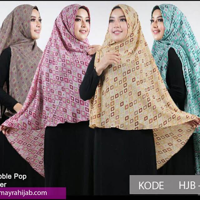Lagi Nge-trend Gaya Hijab Syar'i, Tanda Masyarakat Lebih Islami?