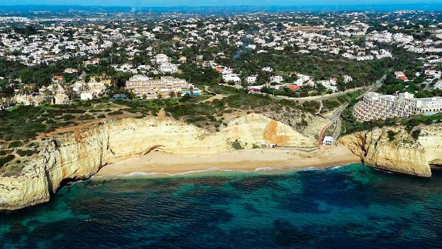Foto aérea de Carvoeiro – Portugal