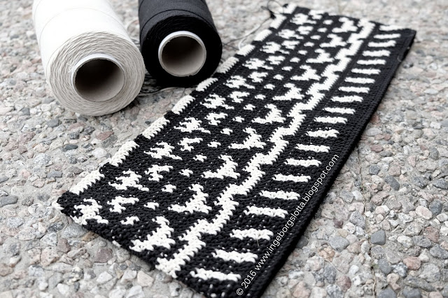Molla Mills folkkilaukku tapestry crochet  kalalanka virkkuri 3 virkad väska mönstervirkning