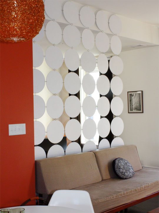 Hanging room divider design ideas pictures house crunch for Idee per dividere casa
