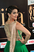 Manjusha in Beautiful Sleeveless Green Anarkali dress at IIFA Utsavam Awards 011.JPG