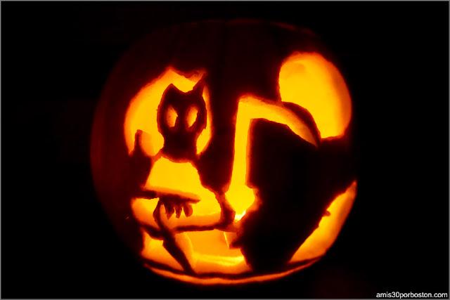 Calabaza Halloween Iluminada con Luz de una Vela