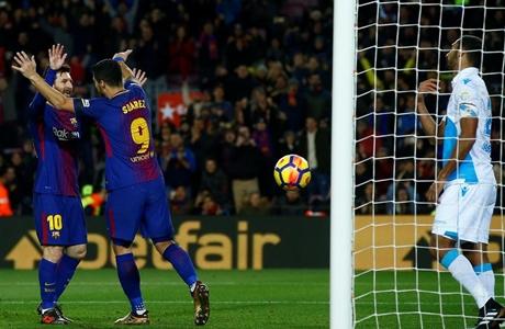 Hajar Deportivo, Barcelona Kukuh di Puncak Klasemen