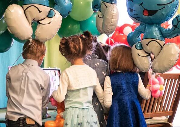 Princess Charlene and Prince Albert's twins, Hereditary Prince Jacques and Princess Gabriella turned five. birthday party Smurfs